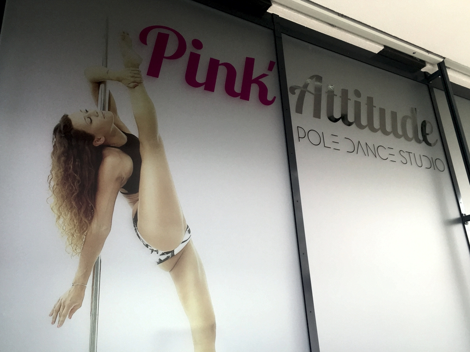 PinkAttitude - PubAdhésive